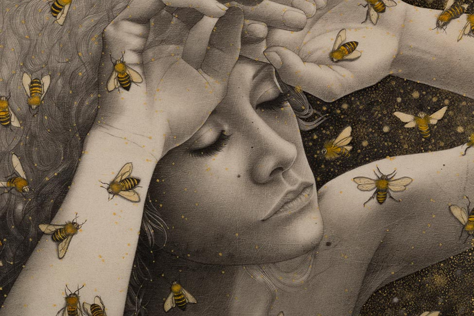 Alessia Iannetti - Queen Bee (Detail)